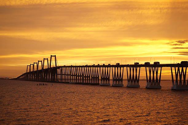puente rafael urdaneta - maracaibo fotografías e imágenes de stock