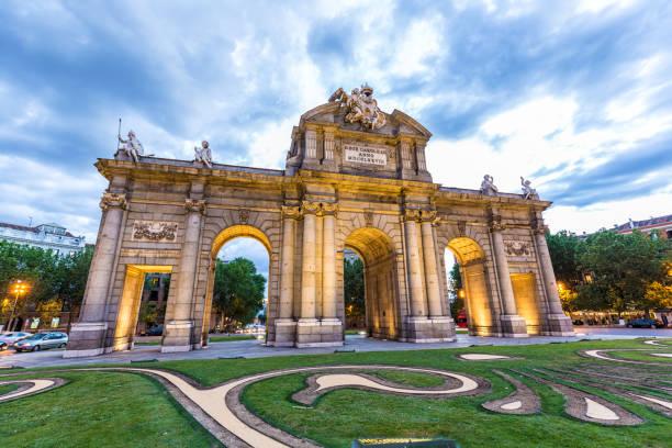 Puerta de Alcalá, Madrid von ssunset – Foto