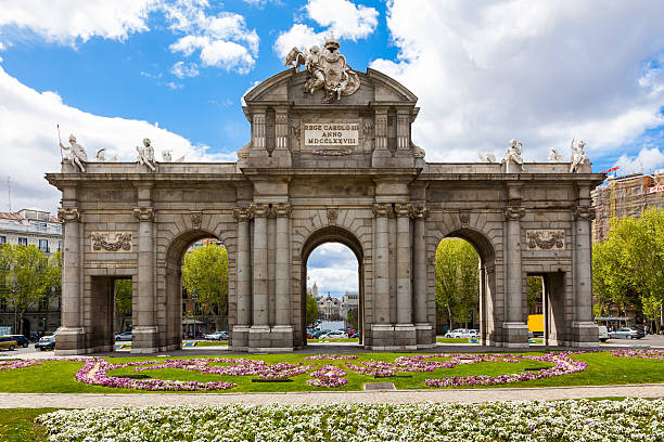 Puerta de Alcalá Madrid – Foto
