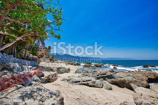 Puerto Vallarte, Conchas Chinas coastline and bay