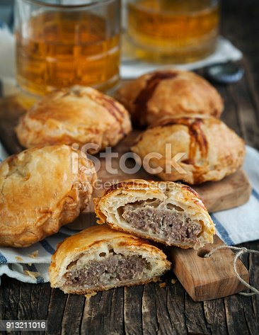 istock Puff pastry pies with mince meat 913211016