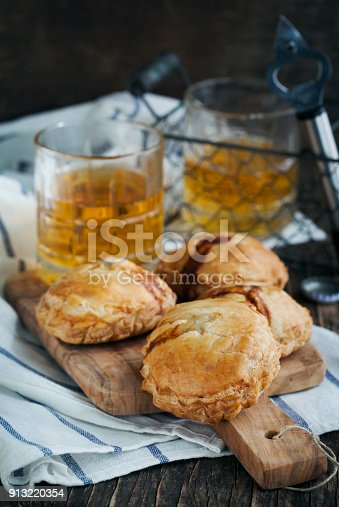 istock Puff pastry pies with mince meat 913220354