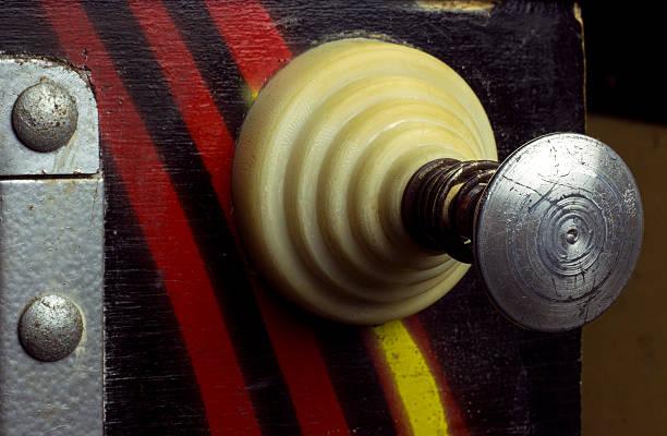 pull lever of a vintage pinball machine - pinball spielen stock-fotos und bilder