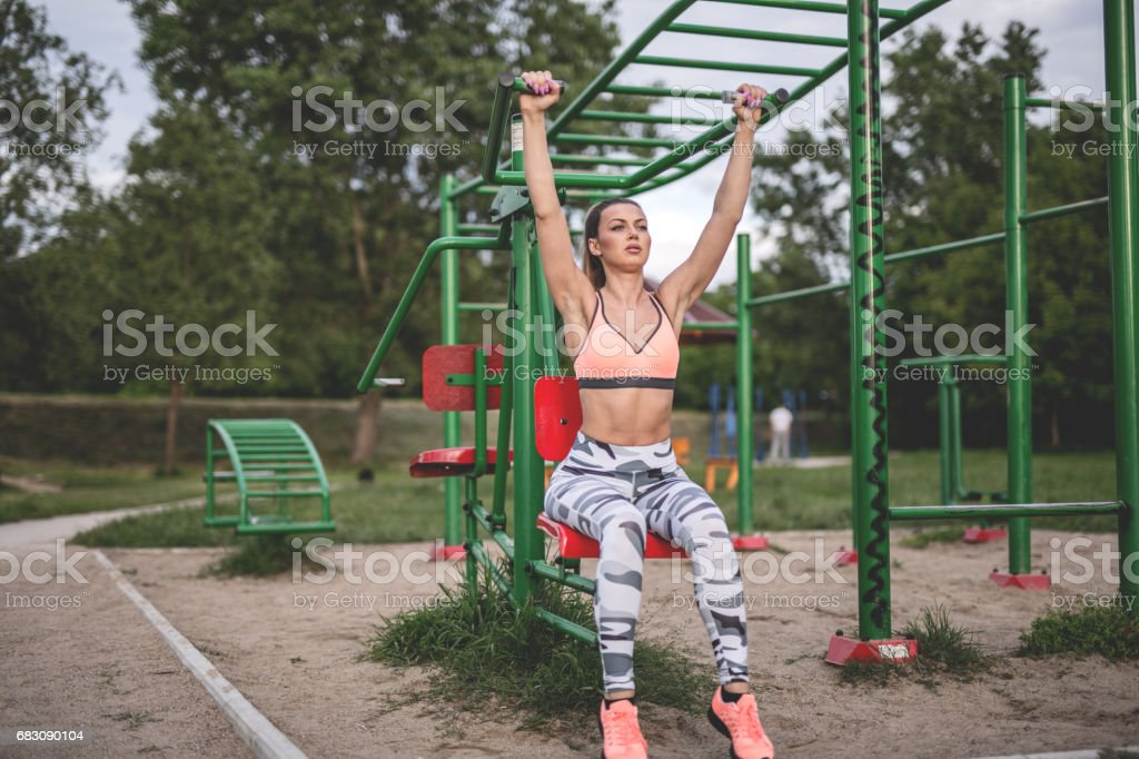 Pull-ups exercise foto de stock royalty-free