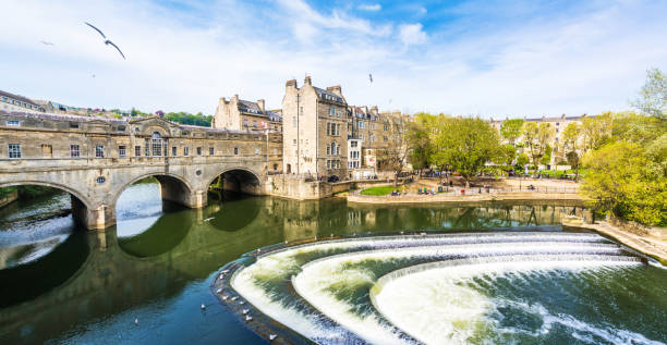 Pulteney Bridge in Bath Bath - England, England, Europe, Somerset - England, Southwest England bath england stock pictures, royalty-free photos & images