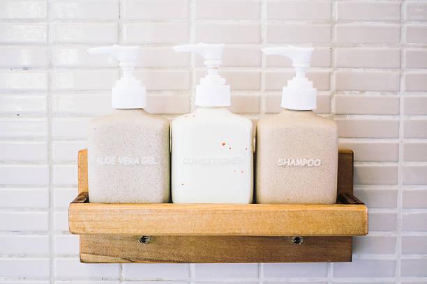 pump bottles - shampoo - fotografias e filmes do acervo