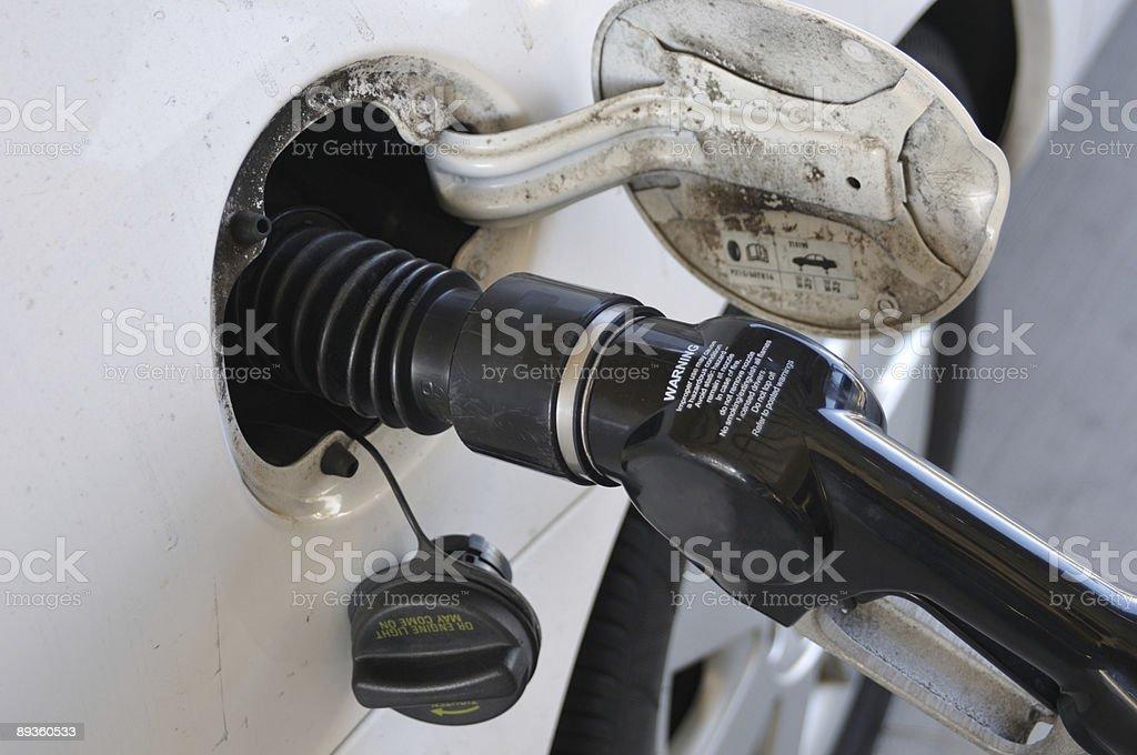 Pumping Gas royaltyfri bildbanksbilder