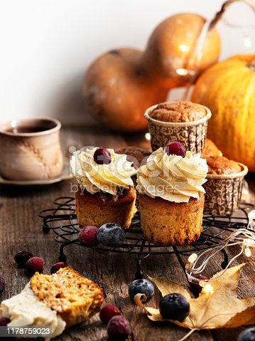 Pumpkin, Cupcake, Dessert, Autumn, Elegance,blueberry,berry,christmas food,light,christmas lights,illuminate,Baked, Baked Pastry Item, Bakery, Cake,Bread, Breakfast,christmas food