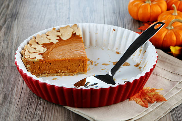 tarta de calabaza - thanksgiving leftovers fotografías e imágenes de stock