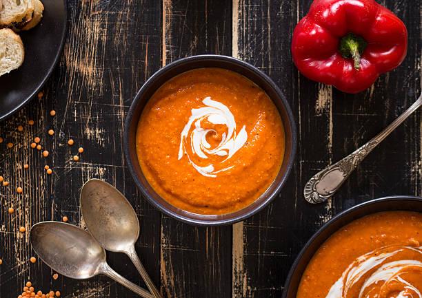 pumpkin soup with heavy cream - 紅燈籠椒 個照片及圖片檔