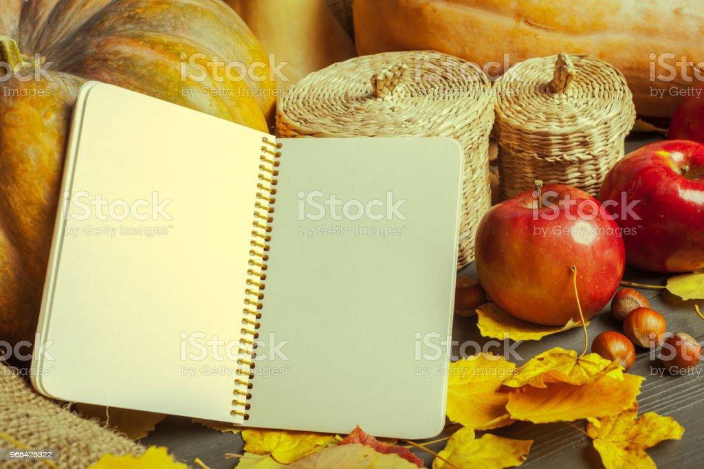 pumpkins on wooden board zbiór zdjęć royalty-free