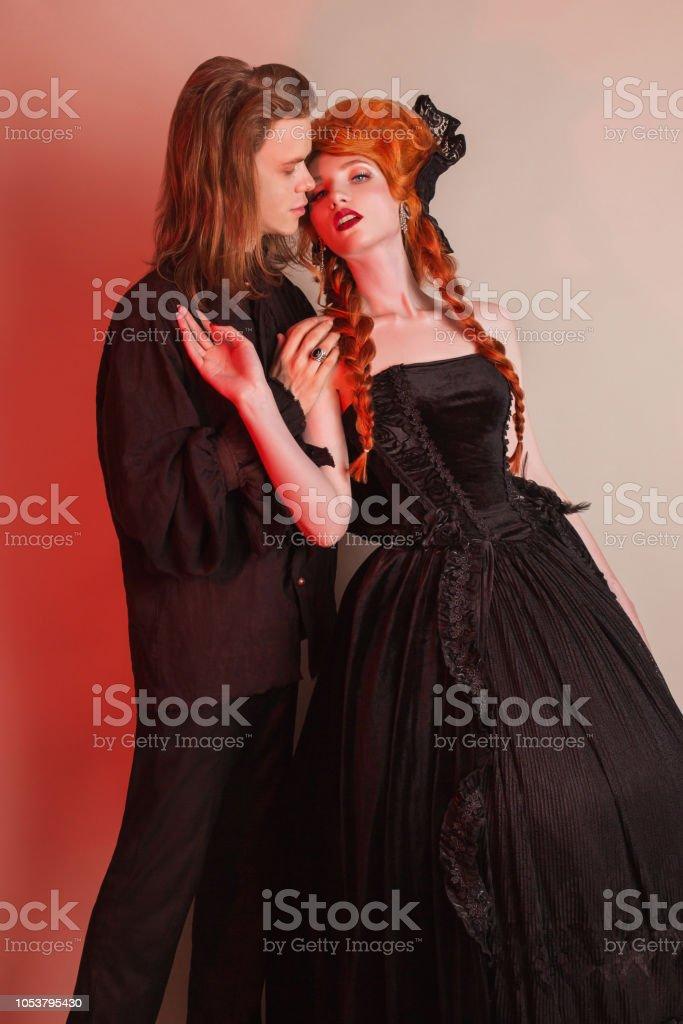 Halloween Party Kleding.Punk Paar In Halloween Kleding Gothic Kostuum Voor