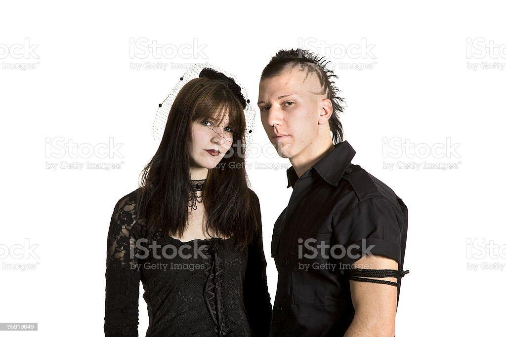Emo Mädchen mit schwarzen Haaren und Kleid
