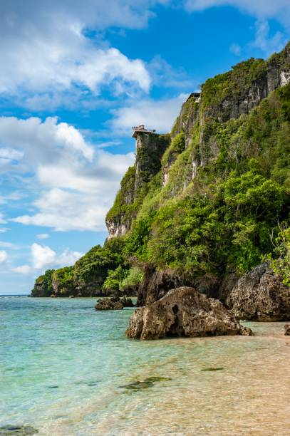 puntan of lovers cliff - guam foto e immagini stock