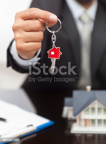 828544458istockphoto Purchase agreement for house 865361260