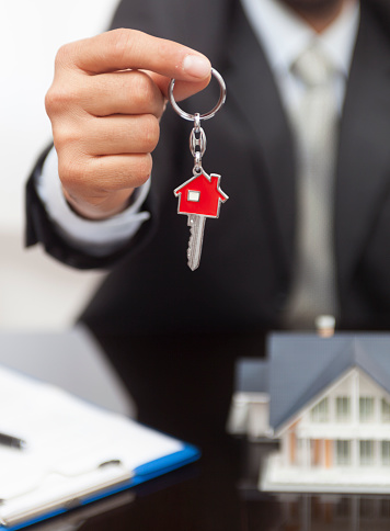 828544458 istock photo Purchase agreement for house 865361260