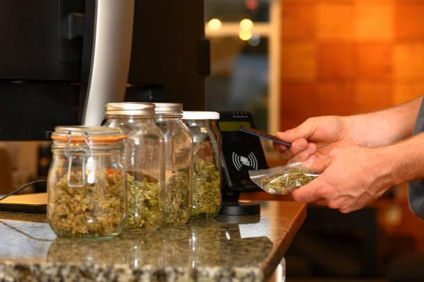 Kauf von Cannabis mit Kreditkarte – Foto
