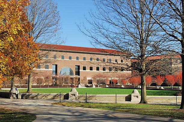 purdue university campus und engineering bildungseinrichtung in indiana - purdue university stock-fotos und bilder