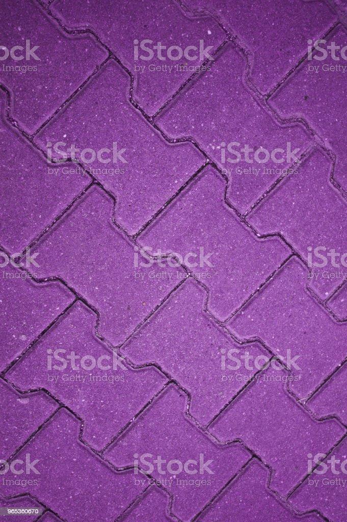 콘크리트 타일 바닥, 벽, 울타리를 보라색 - 로열티 프리 0명 스톡 사진
