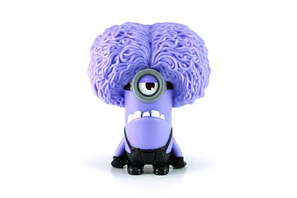 purple minion timalie - minion thema stock-fotos und bilder