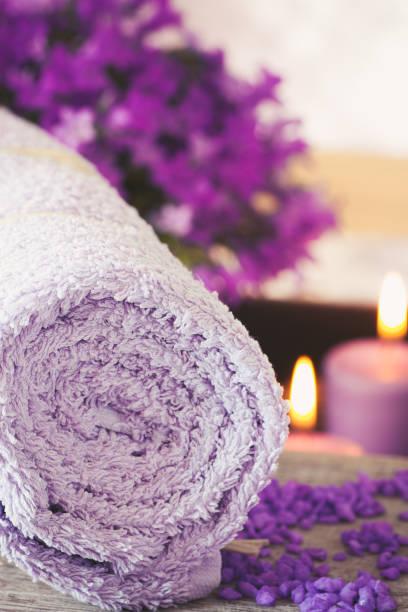 purple spa-umgebung - cro maske stock-fotos und bilder