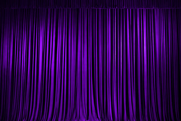 purple stage vorhang texture background - lila vorhänge stock-fotos und bilder