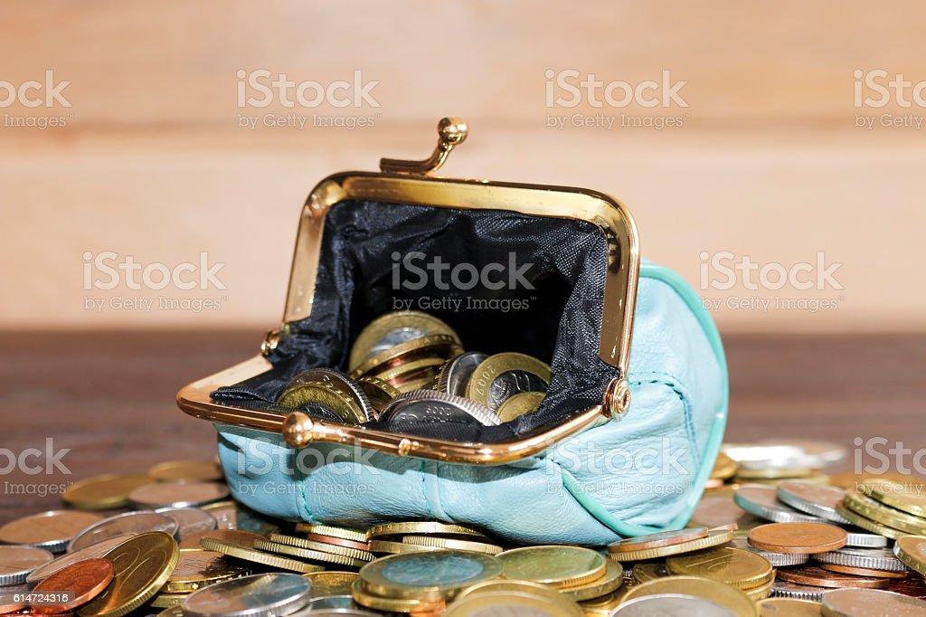 Purse for coins. Open wallet with coins. - foto de acervo