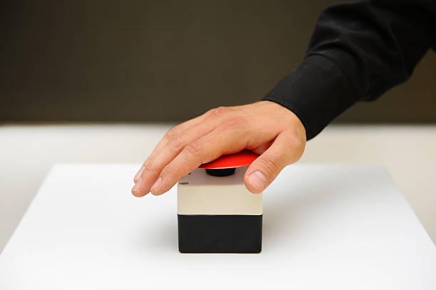 el botón pulsador - gran inauguración fotografías e imágenes de stock