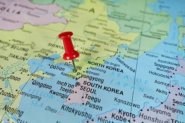 プッシュピン マーキングに北朝鮮・平壌マップ - 韓国 ストックフォトと画像