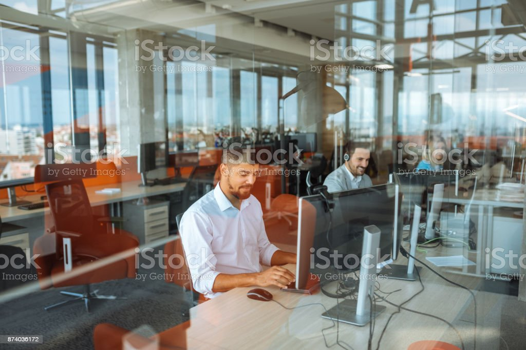 Putting in some overtime - foto stock