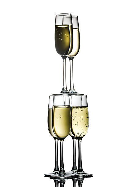 pyramide von champagner-gläser - pyramide sammlung stock-fotos und bilder