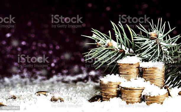 Pyramid of coins and the coins scattered over in the snow picture id626073542?b=1&k=6&m=626073542&s=612x612&h=jyszn6zuyd4inukxu34fu7owph6duyaiz77ota kvpg=