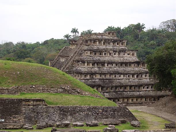 Pyramid of the niches, El Tajin, Mexico Pyramid of the Niches, in the pre-columbian archeological site of El Tajin. Veracruz, Mexico el tajin stock pictures, royalty-free photos & images