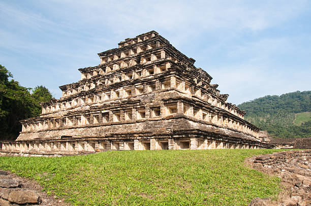 Pyramid of the Niches, El Tajin (Mexico) Pyramid of the Niches, El Tajin (Mexico) el tajin stock pictures, royalty-free photos & images
