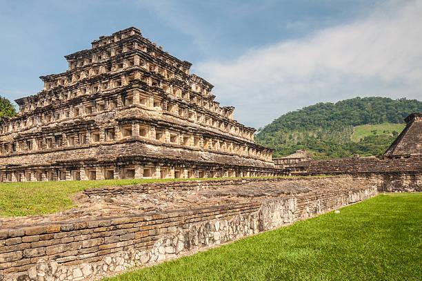 Pyramid of the Niches, El Tajin, Veracruz (Mexico) Pyramid of the Niches, El Tajin, Veracruz (Mexico) el tajin stock pictures, royalty-free photos & images