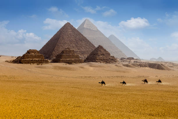 pyramids egypt - pyramid stock photos and pictures
