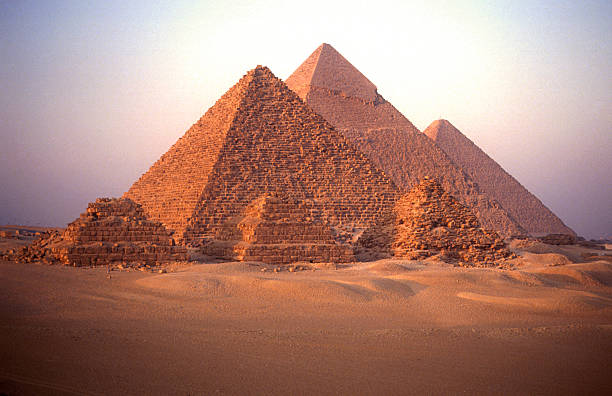 pyramids of giza - pyramid stock photos and pictures