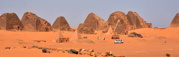 Pyramiden von Meroe – Foto