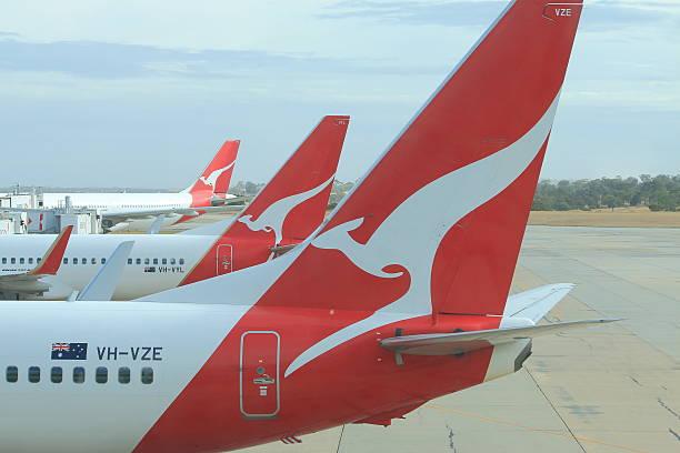 qantas in aereo - qantas foto e immagini stock