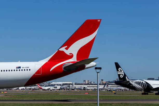 qantas and air new zealand - qantas foto e immagini stock