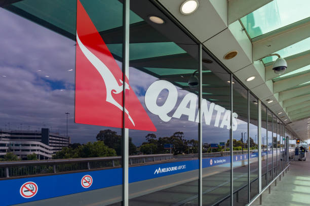 qantas carrier terminal in melbourne airport - qantas foto e immagini stock