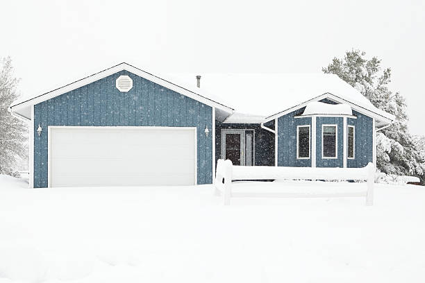 Quaint house during winter snowstorm picture id180710747?b=1&k=6&m=180710747&s=612x612&w=0&h=h2sp4yz7q7z2uijdmrkmhkhroyc1f51fzsnvxgvwiaa=