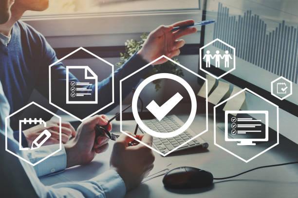 qualitätskontrolle-zertifizierung, geprüfte garantie standard. - anleitung konzepte stock-fotos und bilder