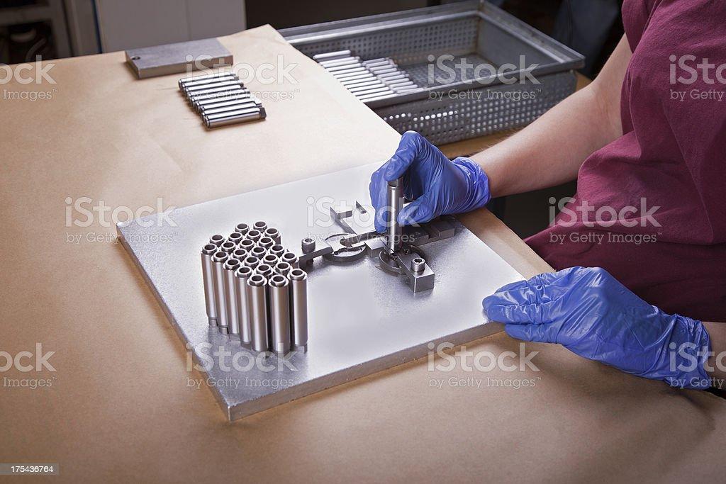 Qualitätskontrolle in Fabrik – Foto