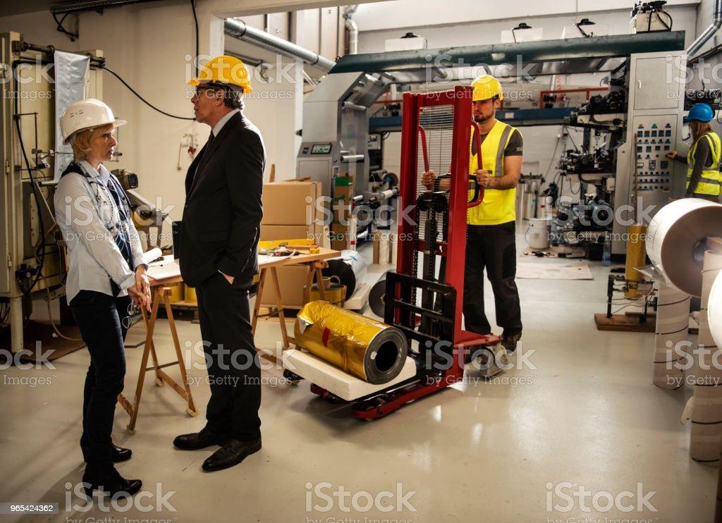 Équipe d'inspecteurs qualité usine - Photo de Adulte libre de droits