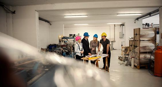 품질 검사 팀 건설 기계류에 대한 스톡 사진 및 기타 이미지
