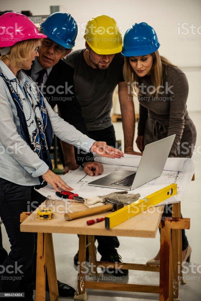 Équipe d'inspecteurs de la qualité - Photo de Adulte libre de droits