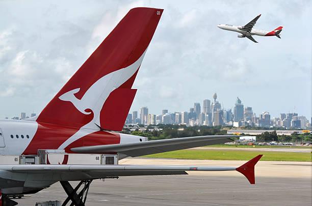 quantas e aeroporto di sydney - qantas foto e immagini stock