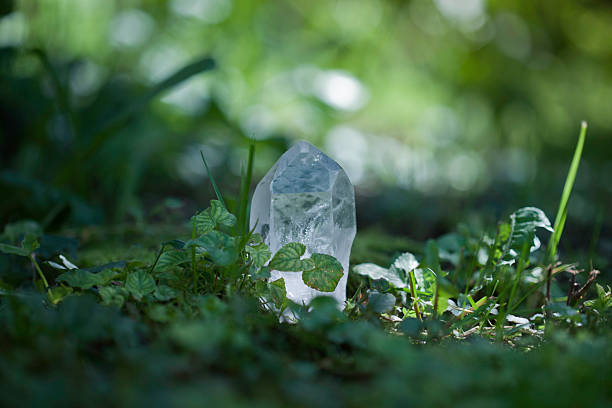 Quartz Crystal Quartz crystal in nature crystal healing stock pictures, royalty-free photos & images
