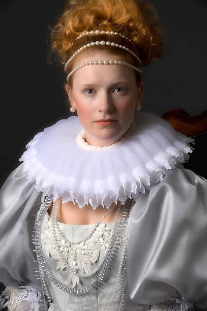 queen elizabeth - prinzessinnenstil stock-fotos und bilder